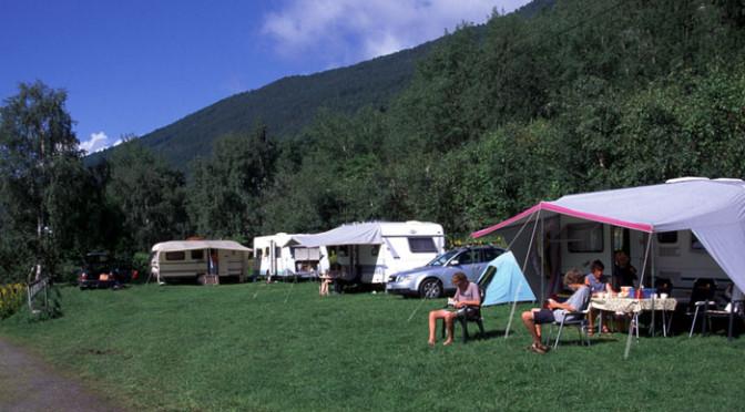 Camping i Luster ved Sognefjorden på veien over Sognefjellet til Lom