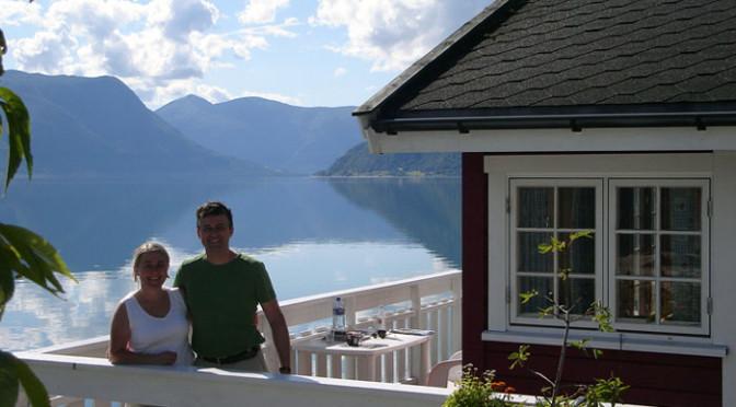 Hytte nr. 11 ved Sognefjorden i Lustrafjorden like ved Sogndal